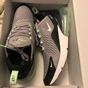 Air Max 270 Nike Brand new Grey, black, and teal.